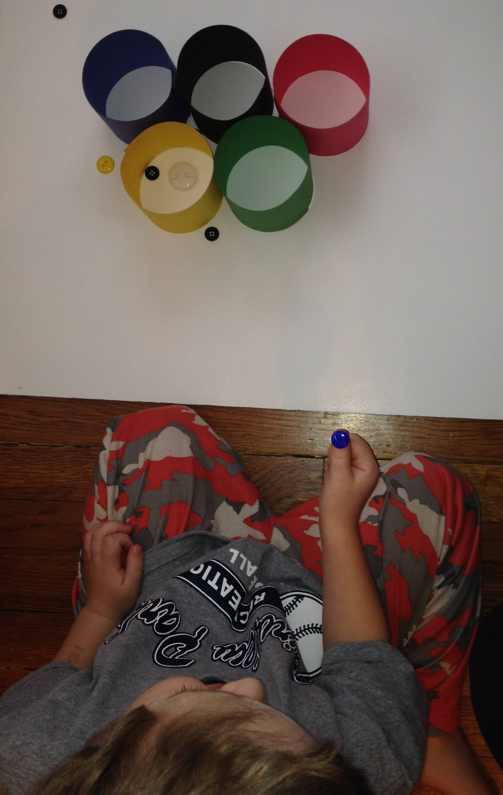 ACTIVITIES FOR KIDS FINE MOTOR OLYMPIC RING TOSS