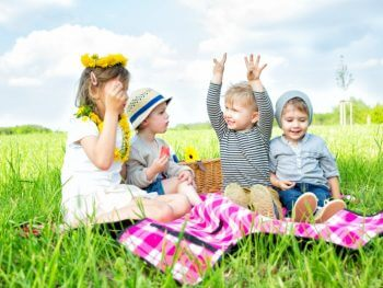 Picnic Ideas: 10 Fun Picnic Blanket Games
