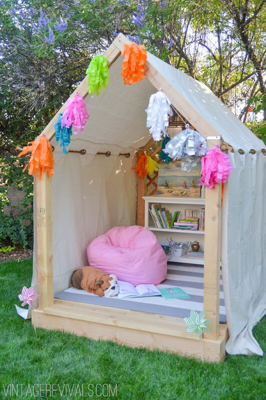 7 inspired fort and treehouse designs for kids the for Backyard casita plans