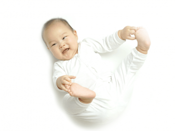 Developmental Skills: At What Age Do Babies Roll Over?