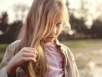 SOCIAL SKILLS: 5 TIPS TO HELP SHY KIDS MAKE FRIENDS