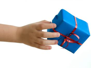 Fine Motor Toys: Gift Guide for Hands-On Kids
